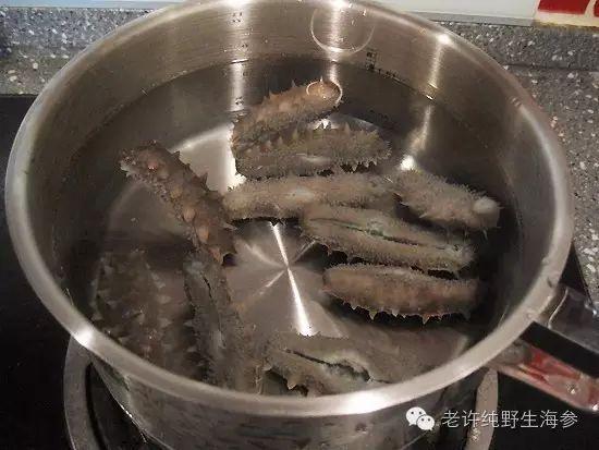 海参泡发过程中煮海参的水能不能喝?